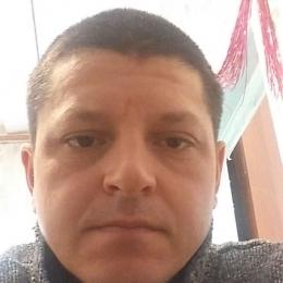 Парень, ищу девушку в Костроме для встреч и общения