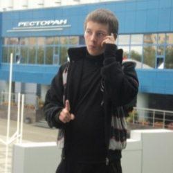Молодой парень ищет готичную барышню в Костроме, желающую подчиняться
