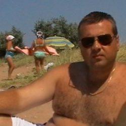 Парень, ищу верную девушку в Костроме, которая не предаст, надоело обжигаться, есть нормальные девушки