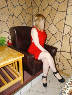 Страстный энергичный минет с предварительными ласками. Девушка ищет мужчину в Костроме