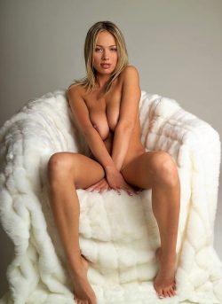Девушка из Москвы, хочу секса. Отдамся мужчине полностью